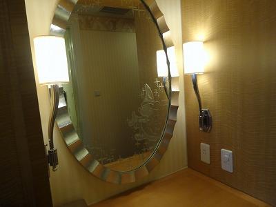 アンバサダーホテル 鏡