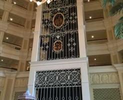 ディズニーホテル エレベーター